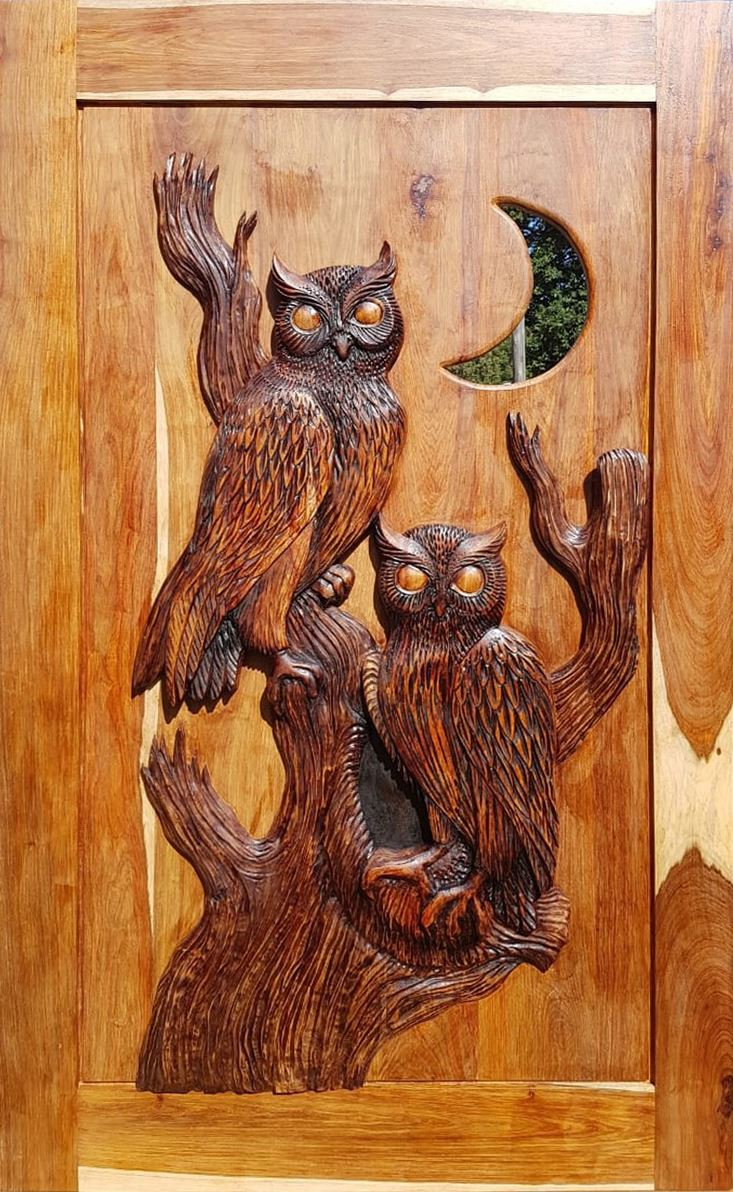Picture of Owl Hand Carved Pivot